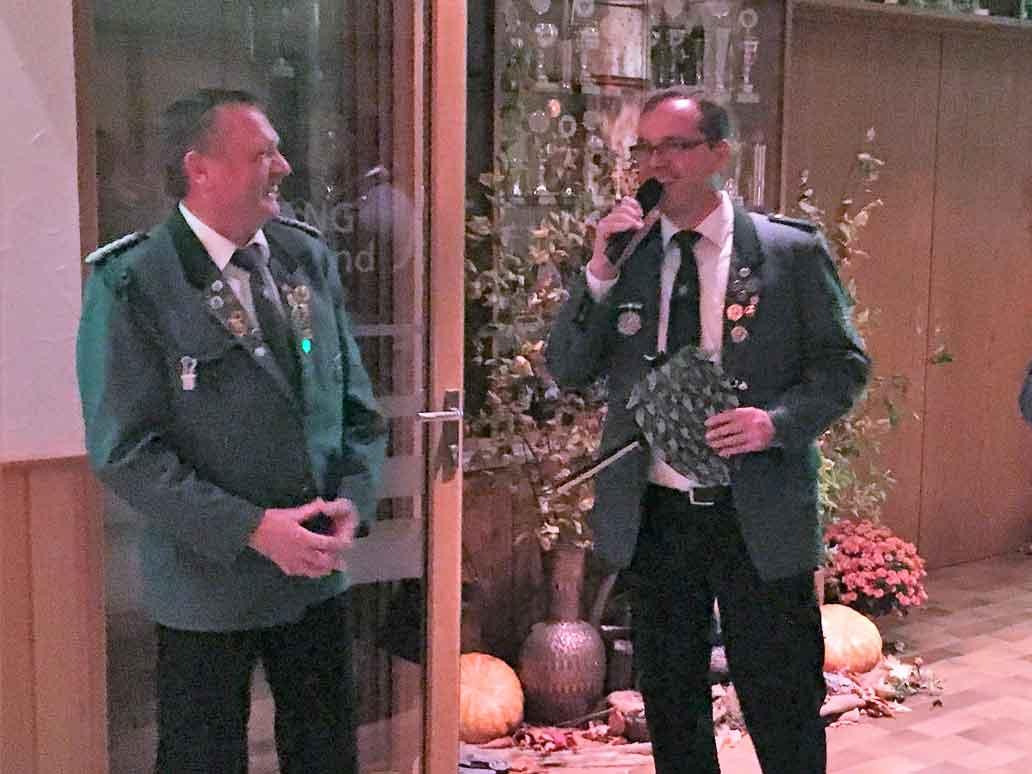 Helmut Uthoff ist Herbstvogelkönig in Borgloh